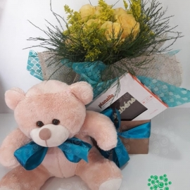 URSO E FLORES E CHOCOLATE